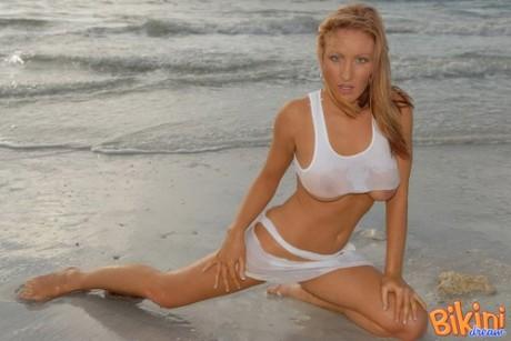 Bikini del giorno – 14 agosto