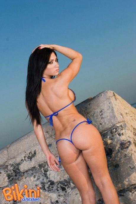 Bikini del giorno 28 agosto